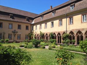 Innenhof und Kreuzgang