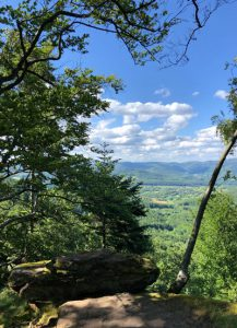 Aussichtspunkt auf dem Bergkamm