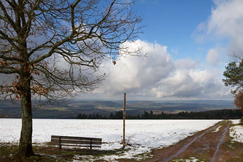 Sonne, Schnee und blauer Himmel