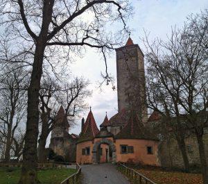 Blick auf das Burgtor von Rothenburg
