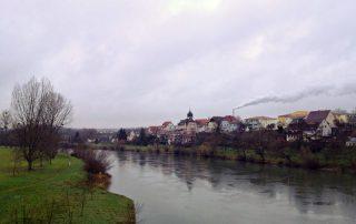 Blick auf den Neckar in Jagstfeld